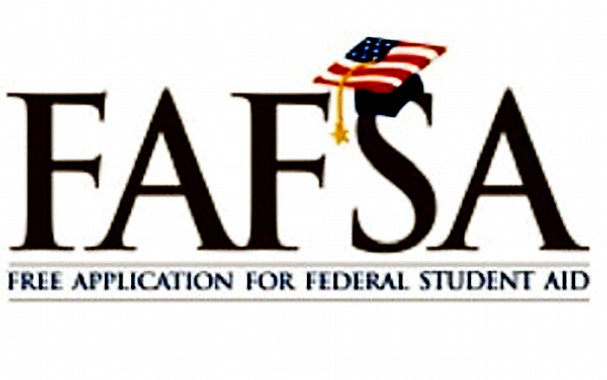HHS hosts annual Financial Aid Night