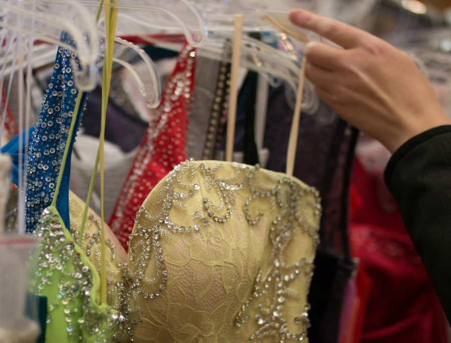 The penny pinchers guide to a perfect prom